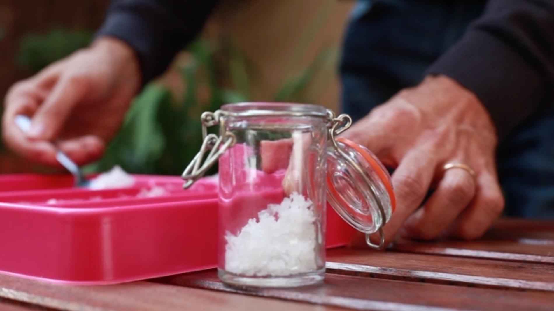 Un poquito menos de sal, mejor para nuestra salud.