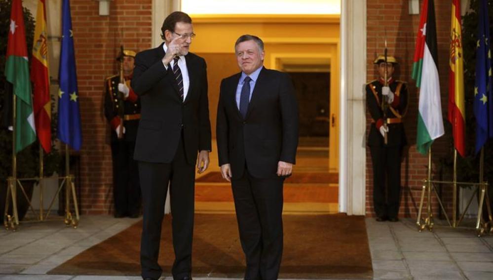 Mariano Rajoy conversa con el Rey Abdalá de Jordania