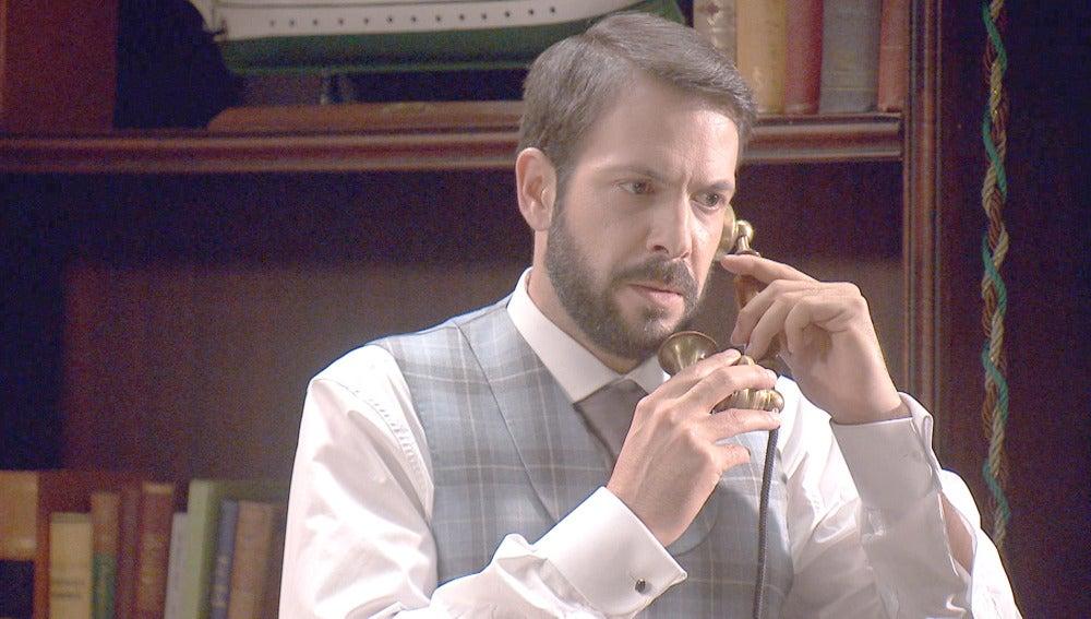 Severo recibe la llamada del abogado
