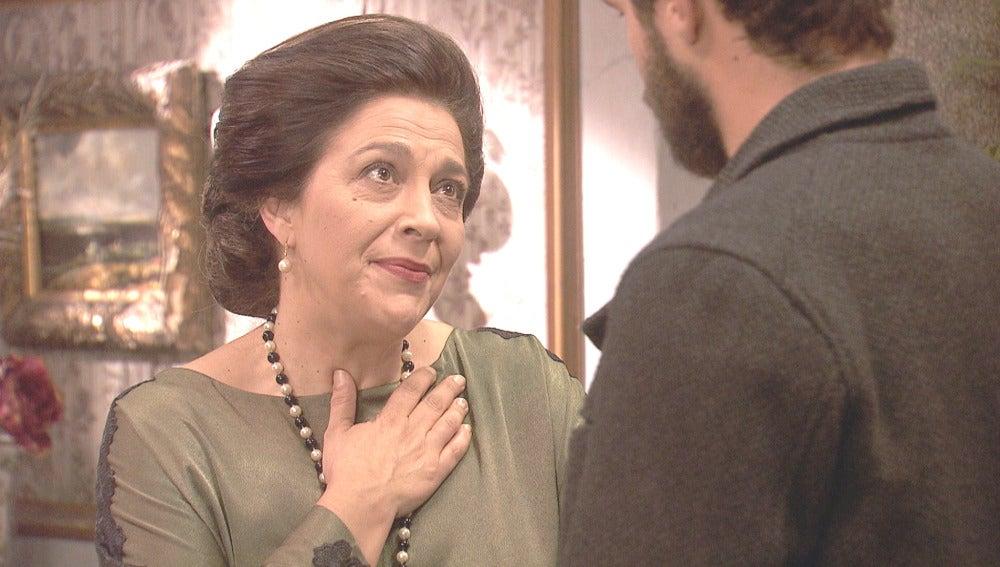 Francisca invita a su nieto a una cena especial