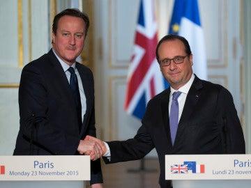 Hollande y Cameron, juntos contra el terrorismo