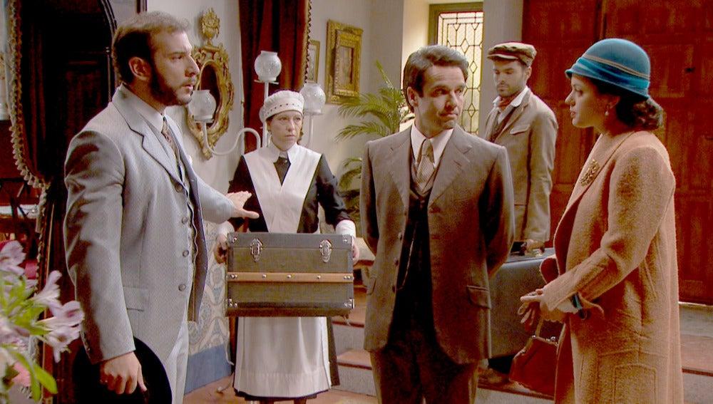 Eliseo y Sol llegan para sorprender a Carmelo
