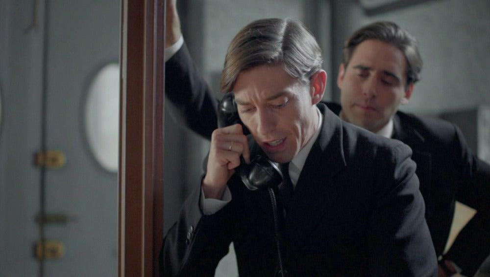 Pedro llama a Rosa Mari para ver a Manolito