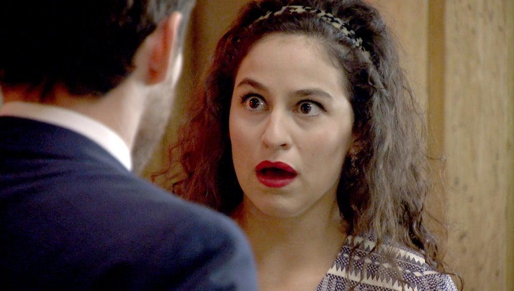 Toni le confiesa a Carmen que el perfume era para otra mujer