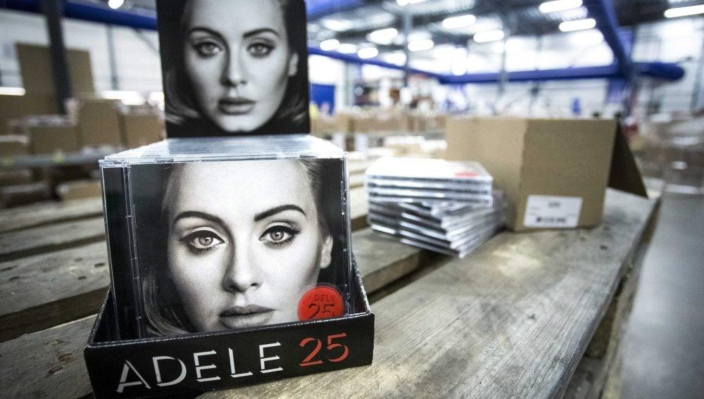 El disco '25' de Adele cumple los pronósticos