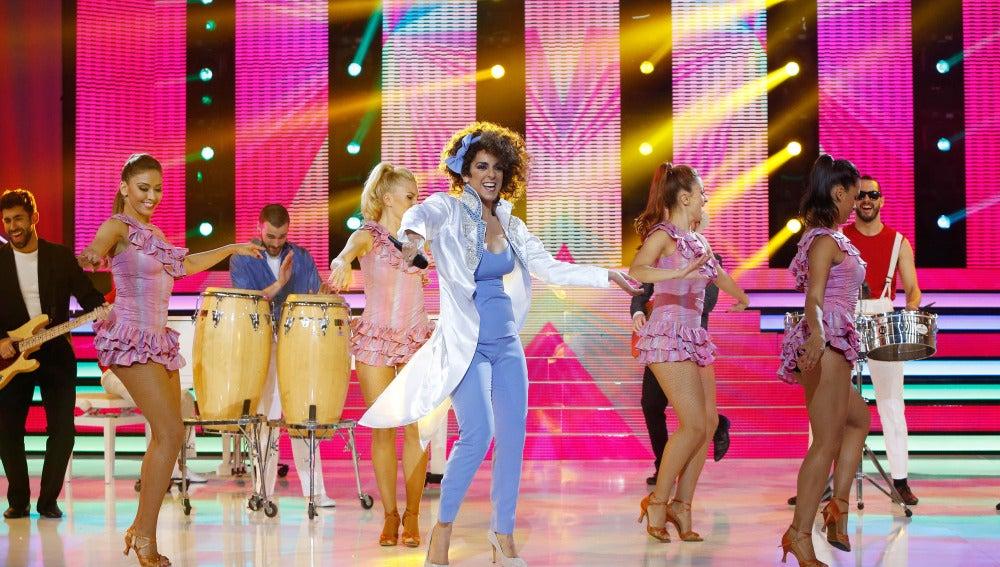 Ruth Lorenzo mueve las caderas al ritmo de 'Conga' imitando a Gloria Estefan