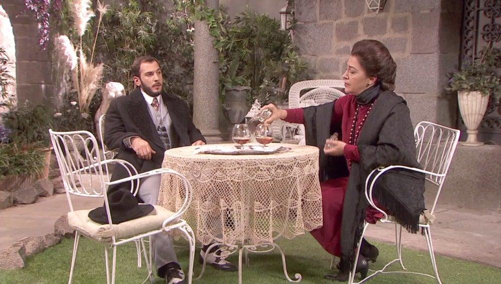 Eliseo acude a casa de Francisca