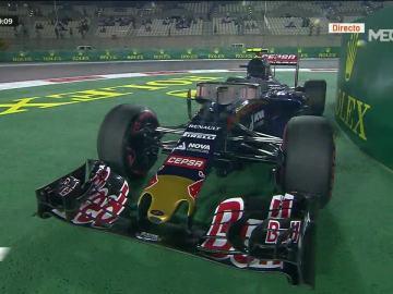 El Toro Rosso, parado en Yas Marina