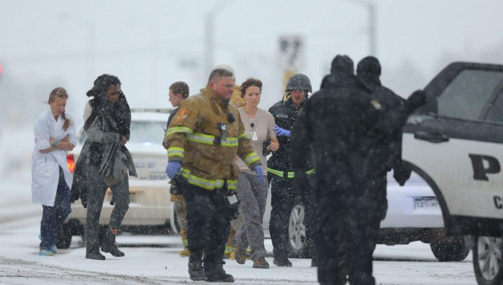 Un policía y dos civiles murieron en un tiroteo en una clínica de abortos de Colorado