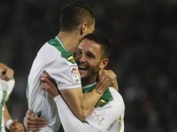 Los jugadores del Córdoba celebran un gol frente al Real Oviedo