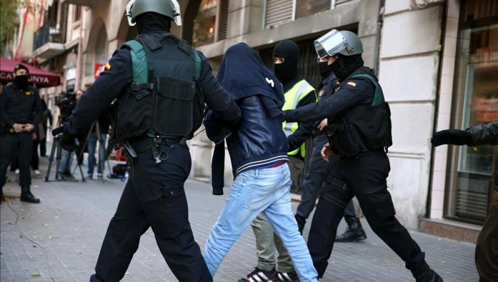 Uno de los tres detenidos por la Guardia Civil
