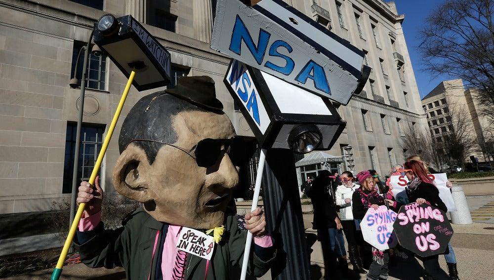 Gente se manifiesta en Washington contra los métodos de la NSA