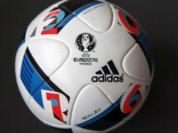 Beau Jeu, el balón de la Euro 2016