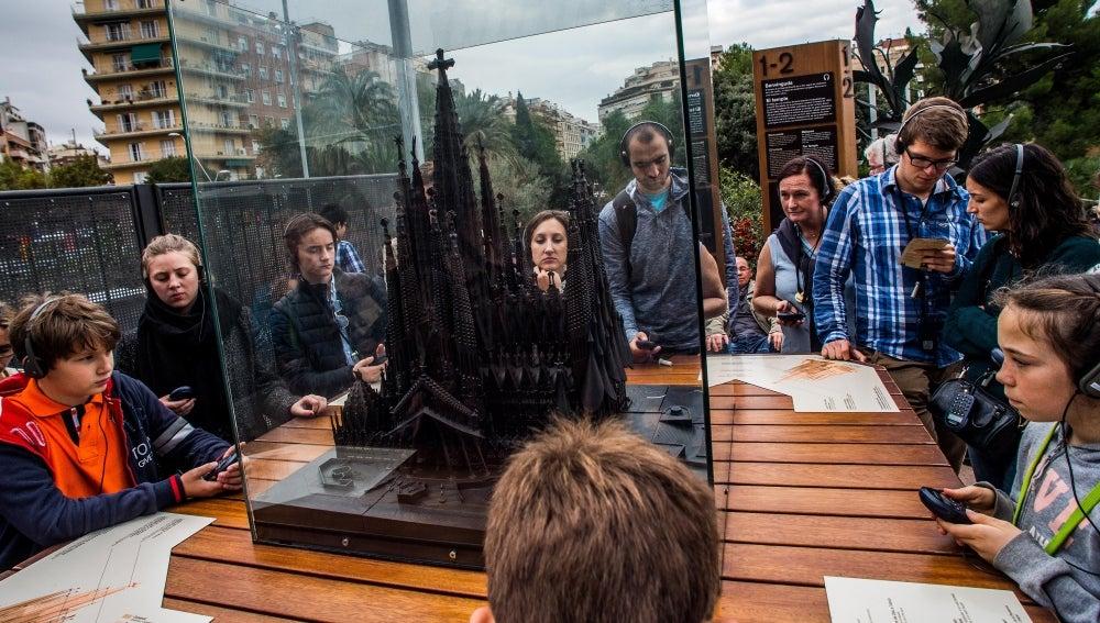 Turistas en la Sagrada Familia de Barcelona