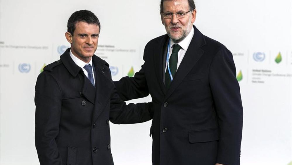 Rajoy junto al primer ministro francés, Manuel Valls