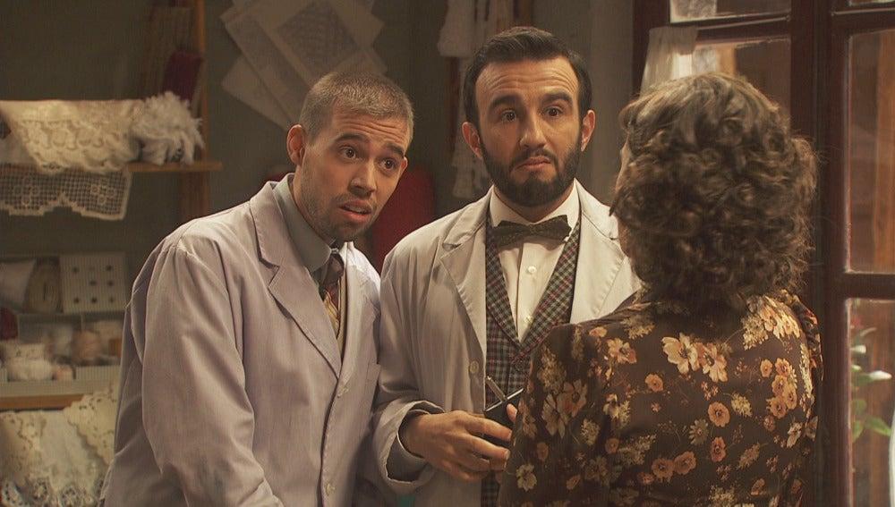 Hipólito y Onésimo trazan un plan para investigar a Gracia