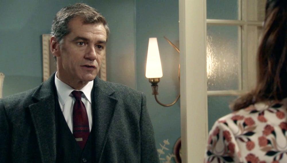 El Dr. Martos dará a Adela un ultimátum sobre su relación