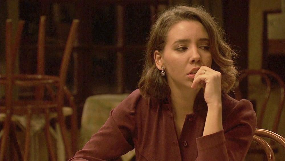 Emilia, dolida por parecer ella la culpable de su separación con AlfonsoEmilia, dolida por parecer ella la culpable de su separación con AlfonsoEmilia, dolida por parecer ella la culpable de su separación con Alfonso