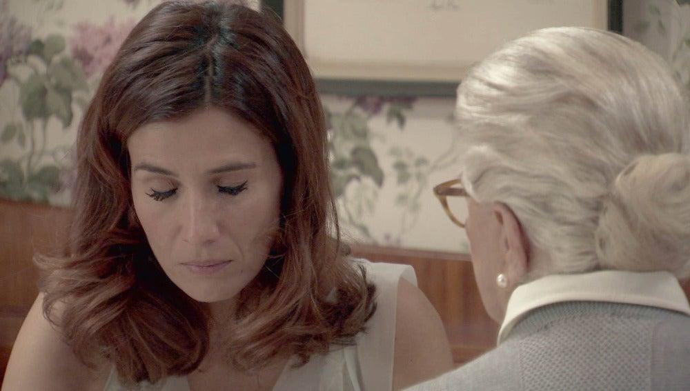 Adela teme por Sofía