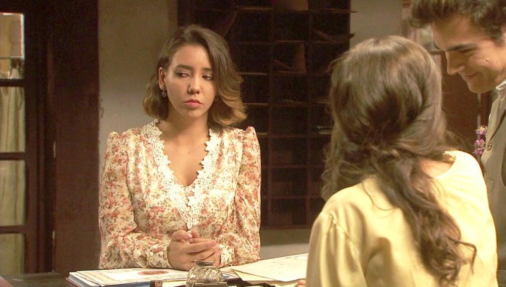 Emilia se siente muy triste por la palabras de Rosario
