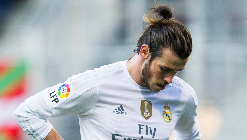 Gareth Bale se lamenta durante un partido con el Real Madrid