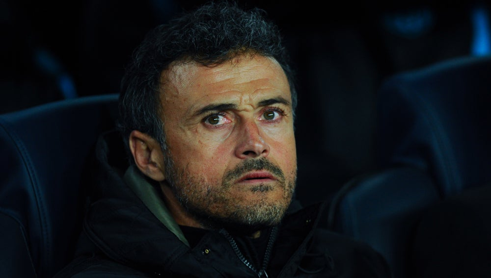 Luis Enrique, dirigiendo al F.C Barcelona