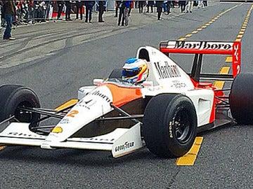 Alonso, en el McLaren-Honda de Ayrton Senna