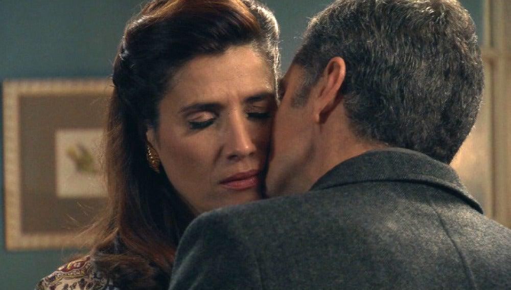 Eugenio no aceptará la nulidad hasta que Adela aclare sus sentimientos