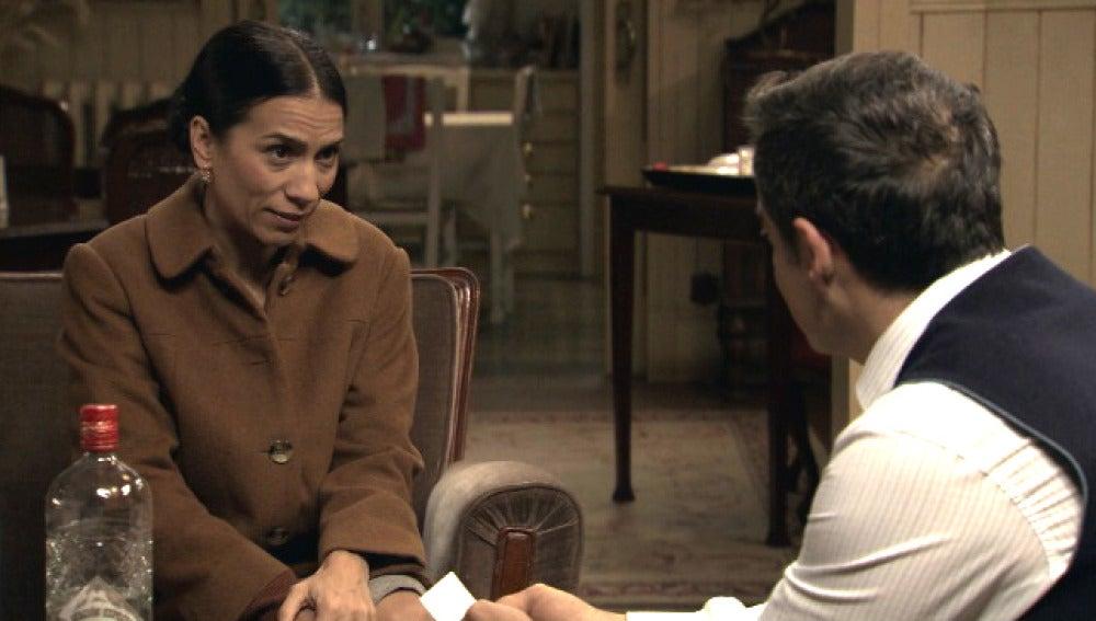 Manolita se siente culpable por rechazar la amistad de Ramón