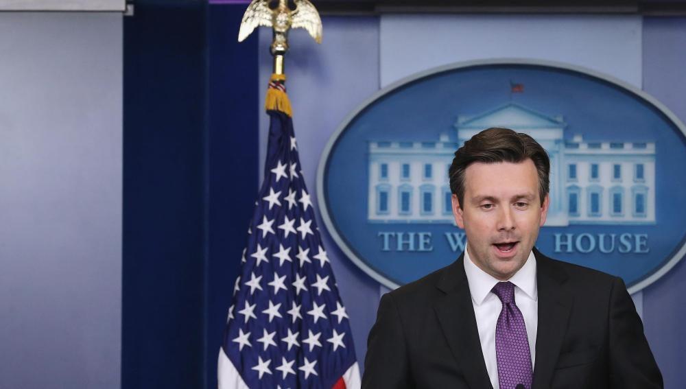 El portavoz de la Casa Blanca, Josh Earnest