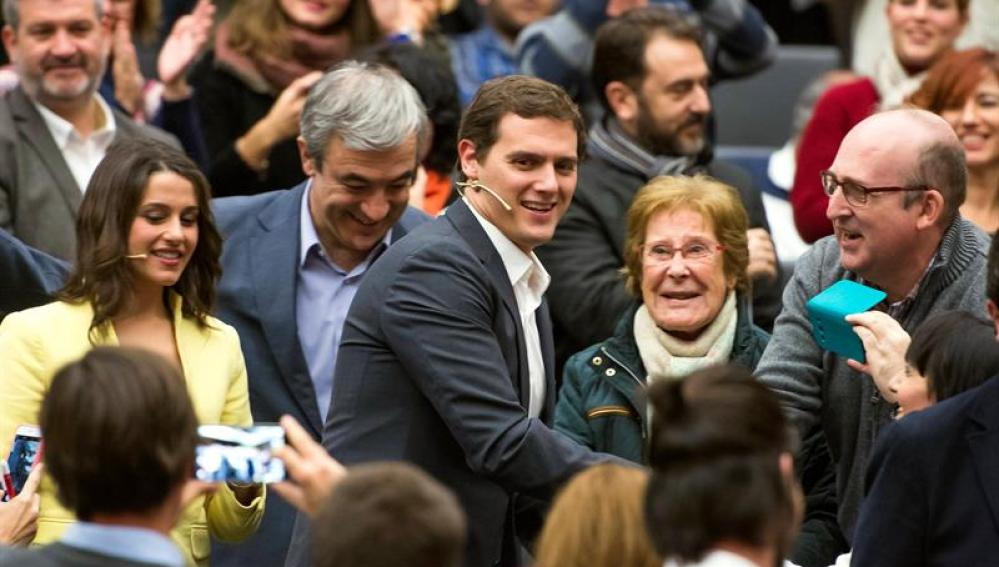 Albert Rivera, a su llegada al acto de campaña en Sevilla