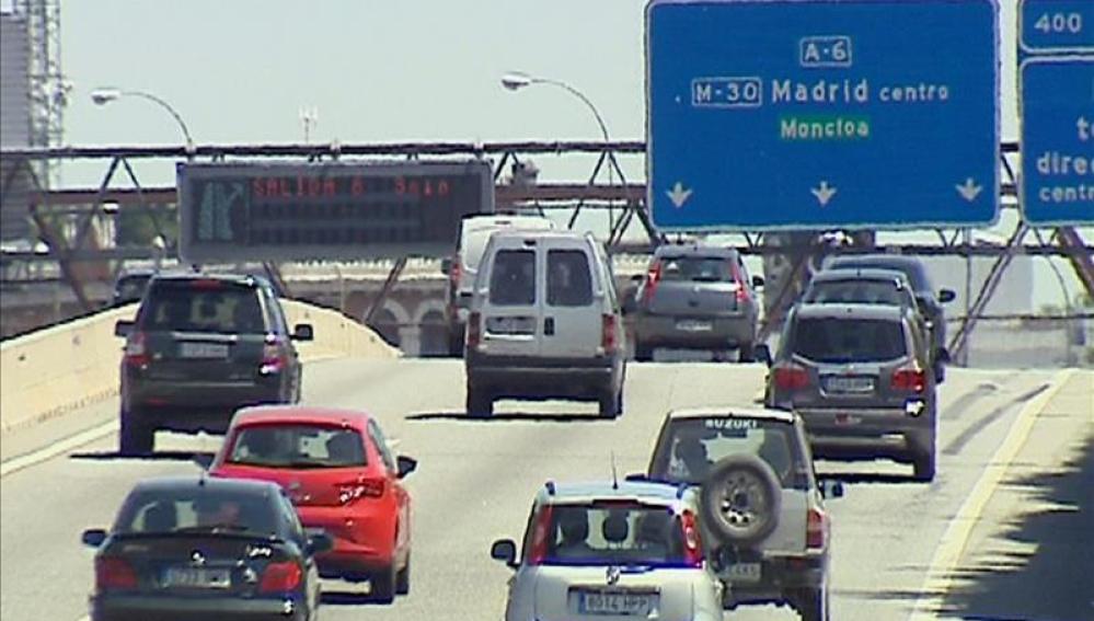 Tráfico en la entrada a Madrid por la A-6