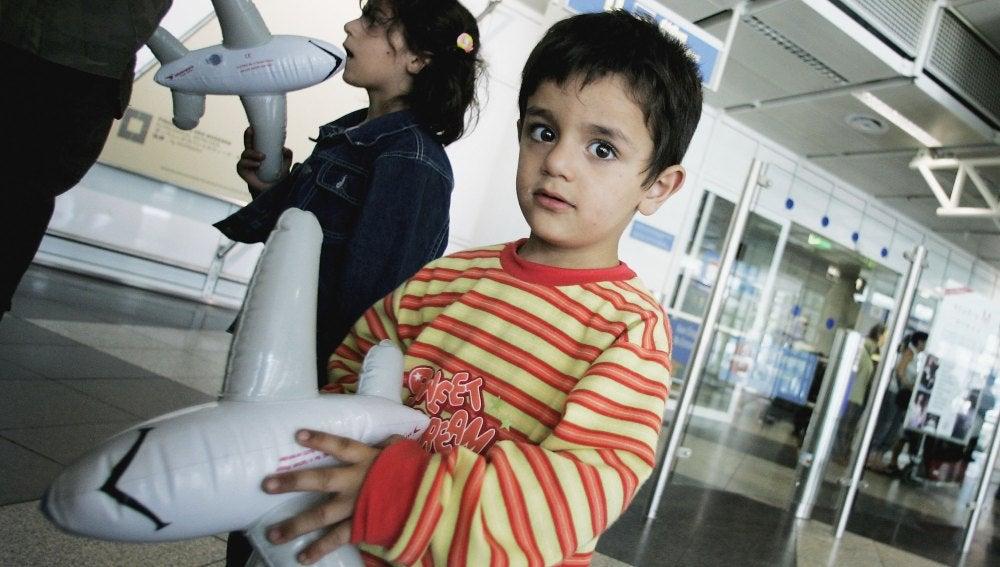 Refugiados libaneses en un aeropuerto de Alemania