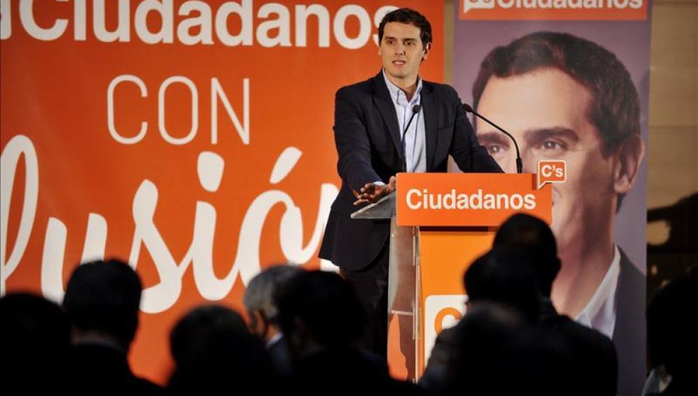 Albert Rivera durante un acto de campaña