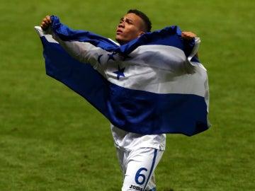 Arnold Peralta, durante un partido con Honduras