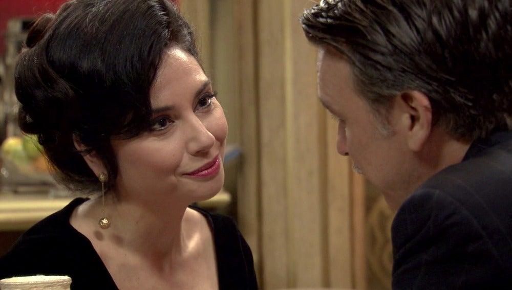 Eugenio contrata a una prostituta para dejar en evidencia a Tomás