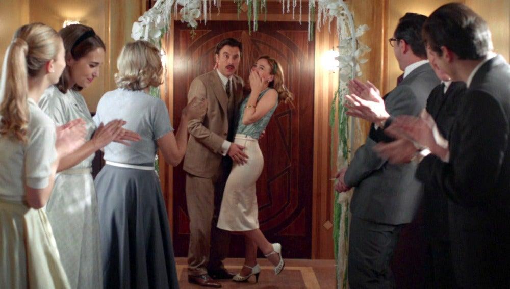 La fiesta sorpresa del enlace de Mateo y Clara en guión