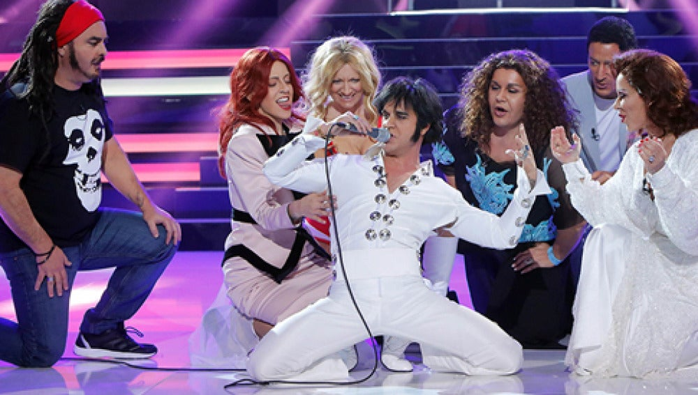 Adrián Rodríguez es Elvis Presley