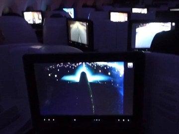Un Airbus A350 frena en seco al realizar la maniobra de despegue