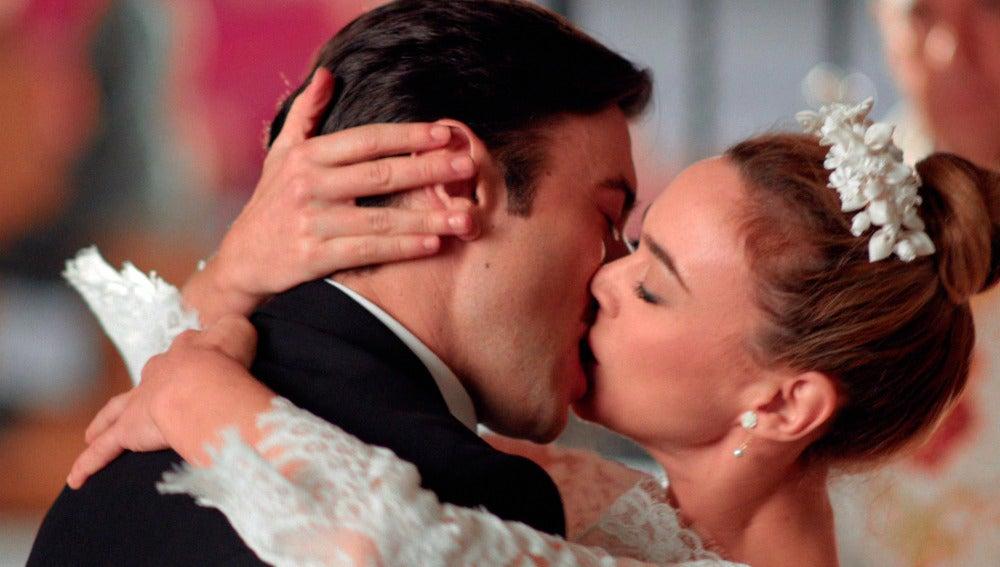 Mateo y Clara se dan el 'Sí quiero' a solas