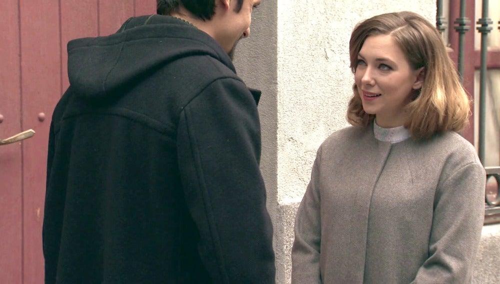 Leonor entabla una estrecha amistad con un compañero de la facultad