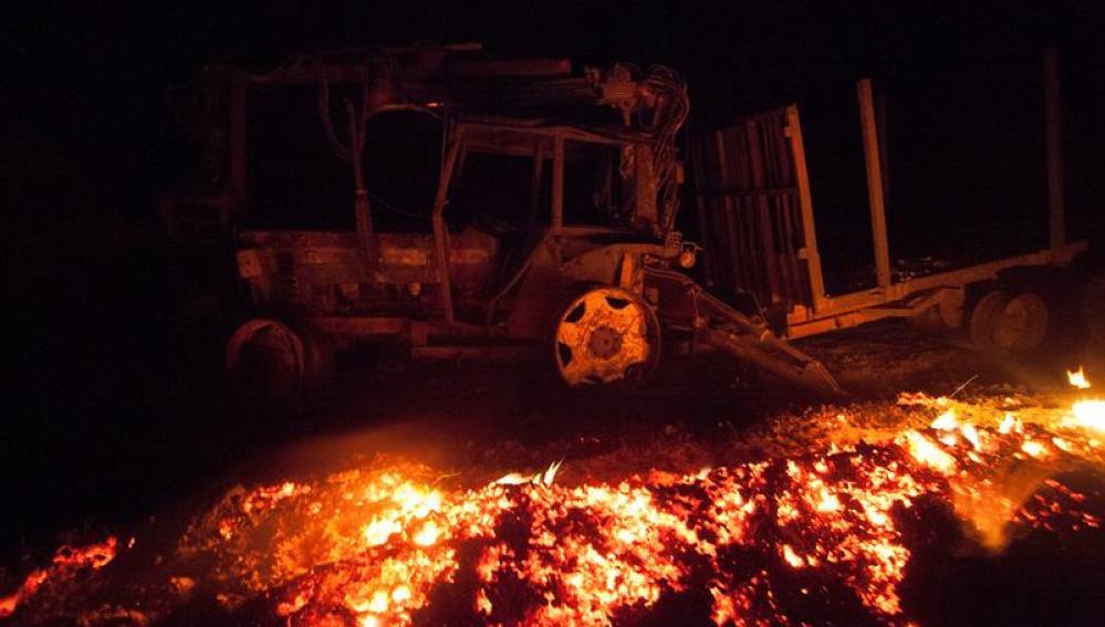 En la extinción de los incendios trabajan más de 230 efectivos