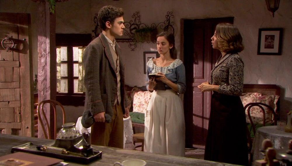 Matías se enfrenta con Emilia por su relación con César