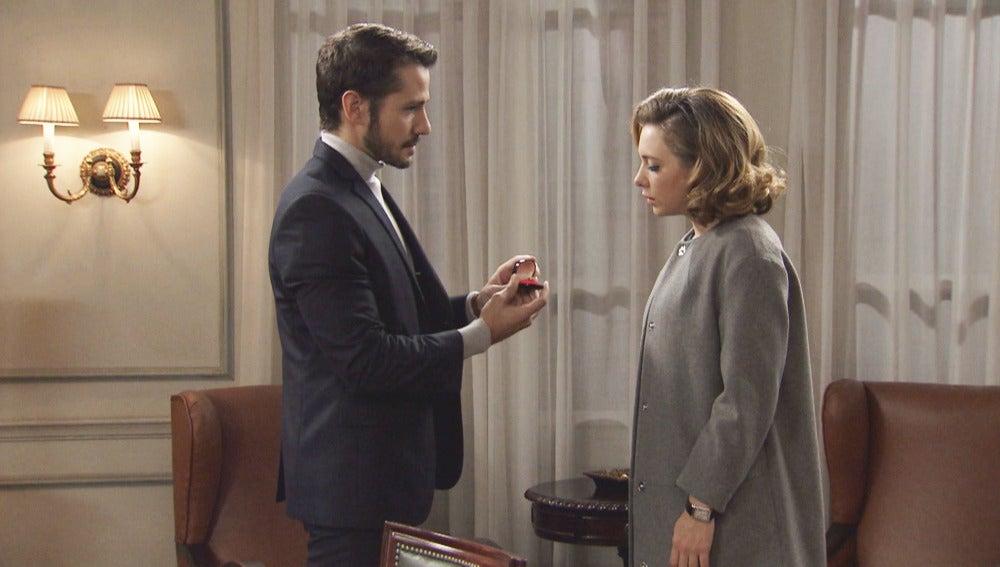 Miguel pide matrimonio a una indecisa Leonor
