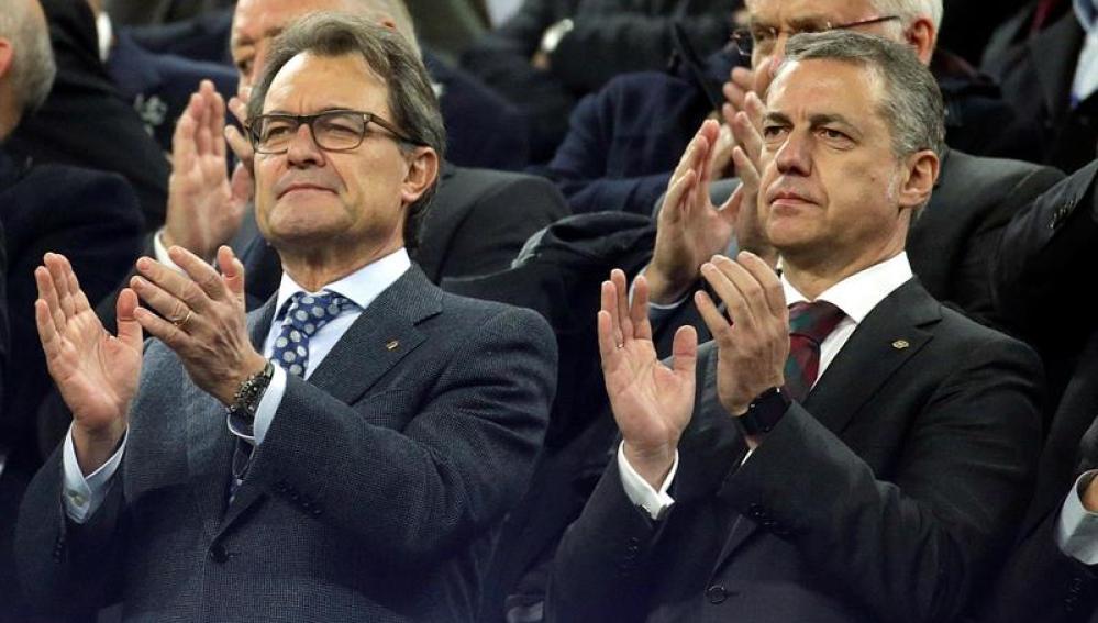 Iñigo Urkullu y Artur Mas en el Camp Nou de Barcelona