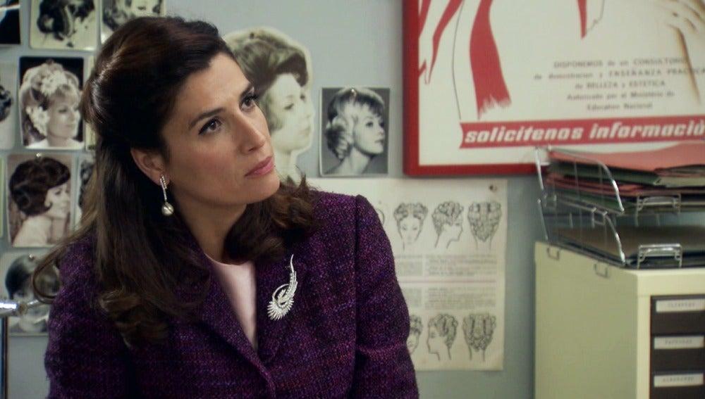 Adela confiesa que Tomás le fue infiel en el pasado