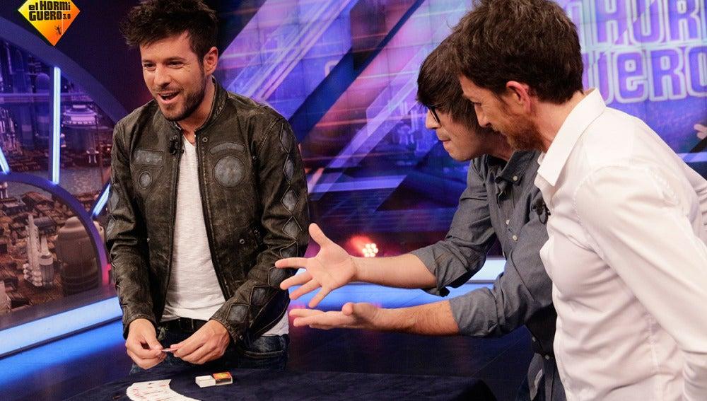 Piedrahita sorprende a Pablo López con la misteriosa caja de cerillas