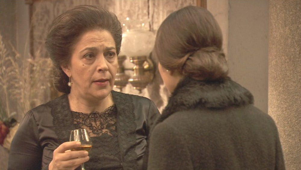 Francisca no accede a que Aurora se lleve a Beltrán