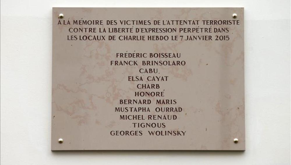 Placa conmemorativa de la matanza de 'Charlie Hebdo'