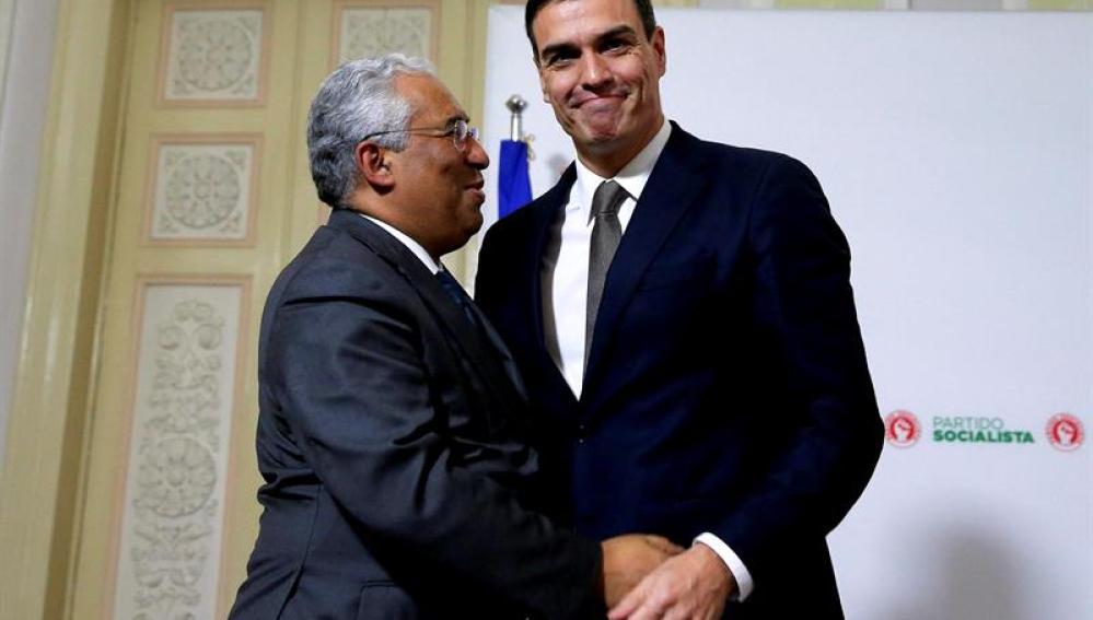Pedro Sánchez con su homólogo portugués, Antonio Costa